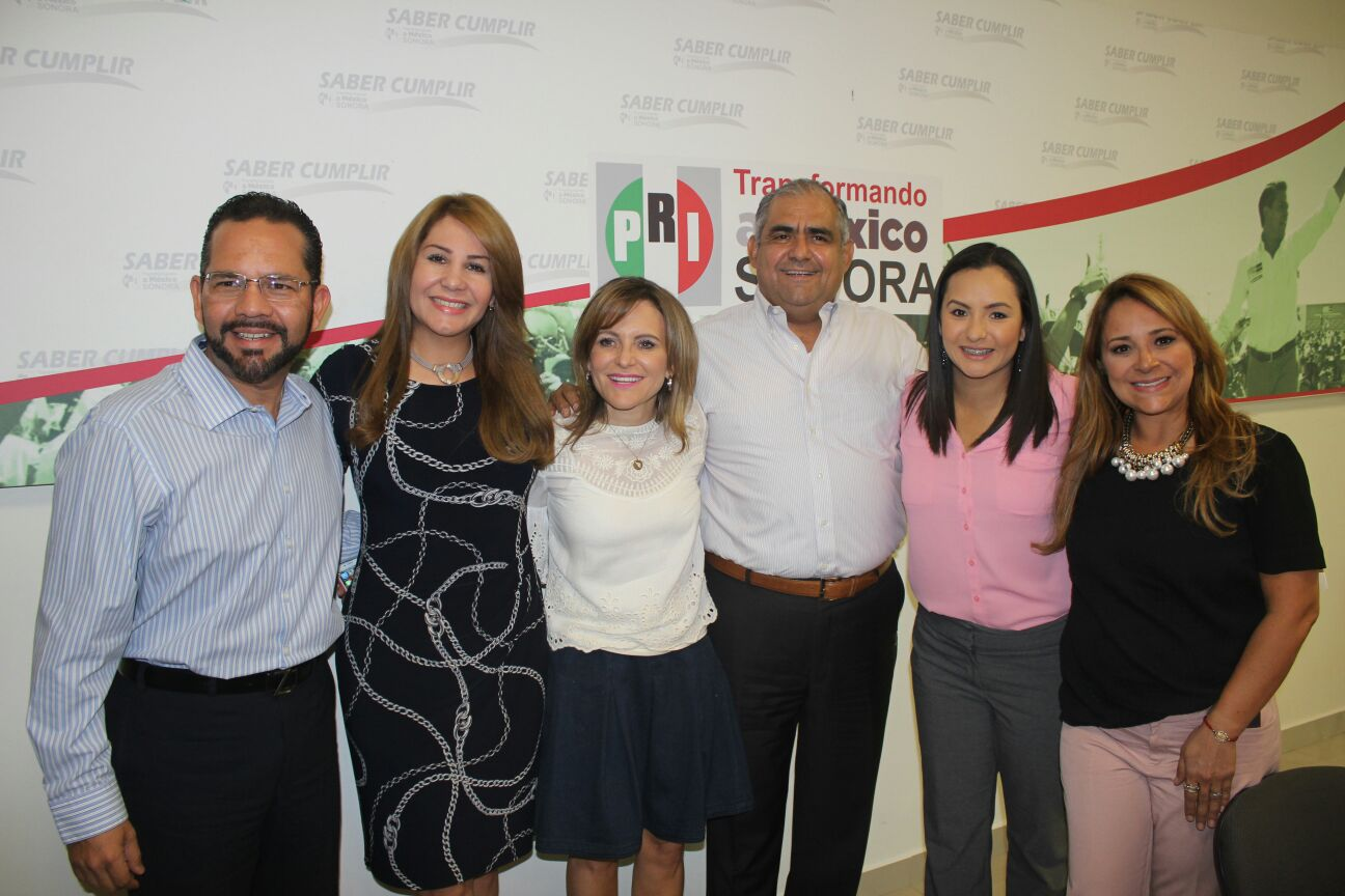 Reune PRI en SONORA a lideresas con legisladores (3)